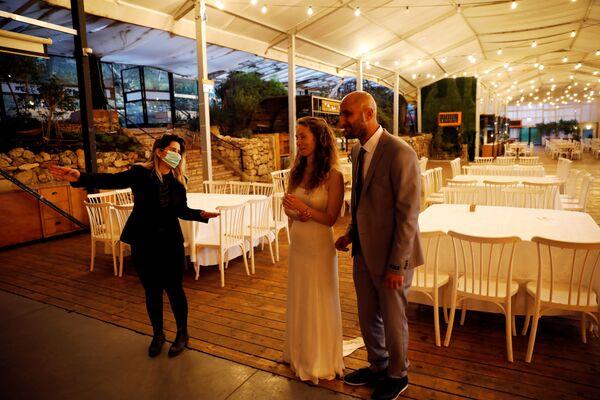 Израильские молодожены во время свадебной церемонии  - Sputnik Таджикистан