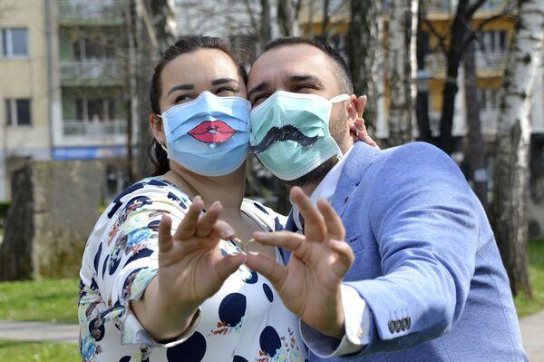 Молодожены после свадьбы в Боснии  - Sputnik Таджикистан