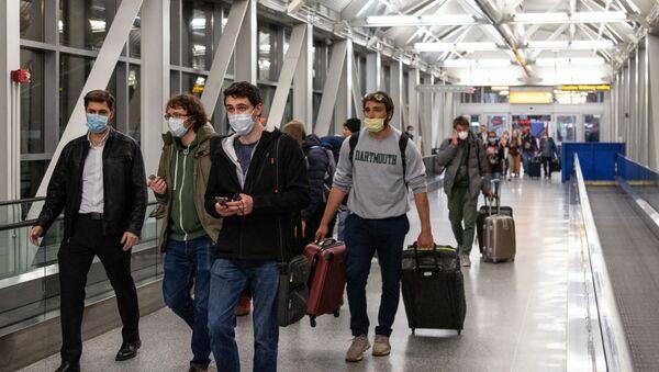 Российские туристы вылетели в Москву - Sputnik Тоҷикистон