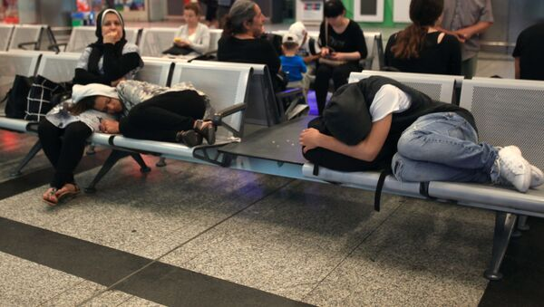 Ситуация в международном аэропорту имени Ататюрка в Стамбуле - Sputnik Таджикистан