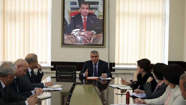 Заседание в Министерстве здравоохранения - Sputnik Тоҷикистон