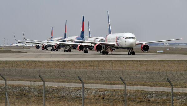 Самолеты на стоянке в аэропорту Внуково - Sputnik Таджикистан