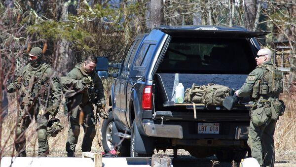 Полиция собирает вещи после обыска Габриэла Уортмана в Новой Шотландии, Канада - Sputnik Таджикистан