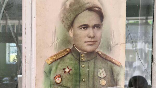 Портрет ветерана ВОВ Бустанова Атакула - Sputnik Тоҷикистон