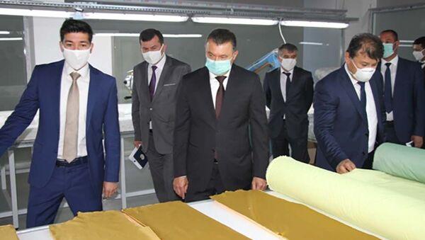 Расулзода ознакомился с ходом работы заводов в Душанбе - Sputnik Тоҷикистон