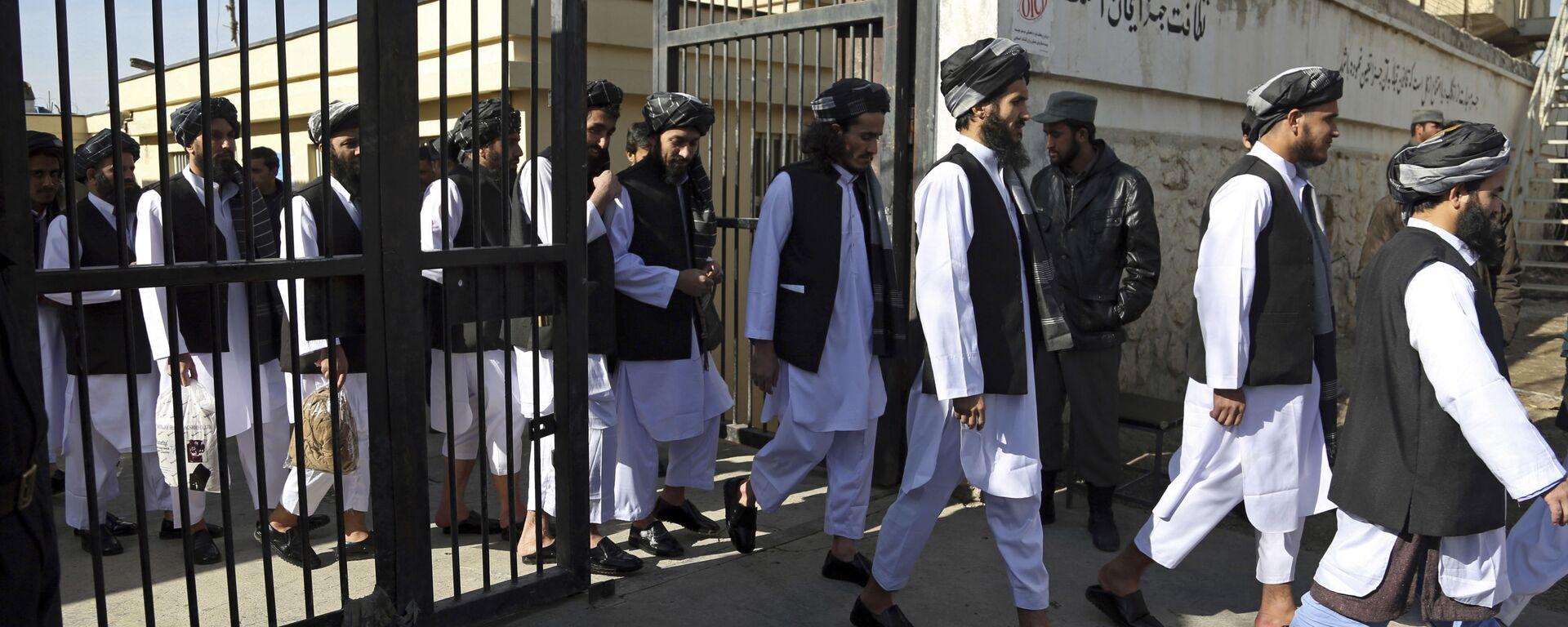 Афганские заключенные готовятся к освобождению из тюрьмы, архивное фото - Sputnik Таджикистан, 1920, 19.08.2021