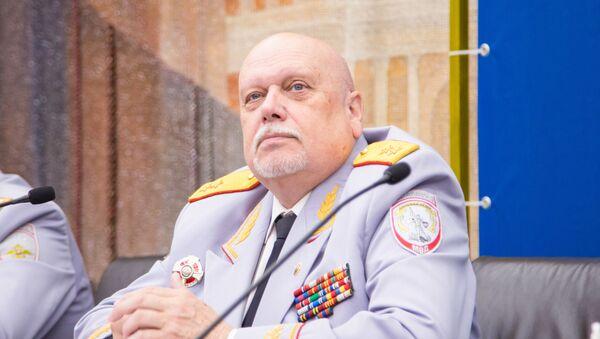 Генерал ФСБ, член Высшего Совета Общероссийского движения «Сильная Россия» Александр Михайлов - Sputnik Таджикистан