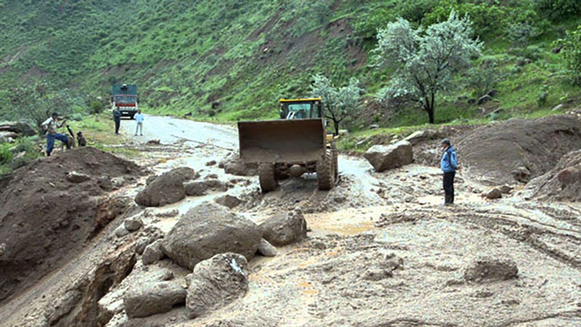 Ликвидация последствий после ливневых дождей в Таджикистане - Sputnik Таджикистан, 1920, 24.07.2021