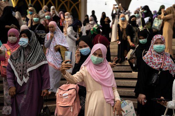 Мусульмане во время празднования Ид-аль-Фитра в Таиланде - Sputnik Таджикистан
