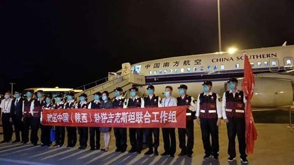 Группа китайских врачей прибыли в Таджикистан - Sputnik Таджикистан