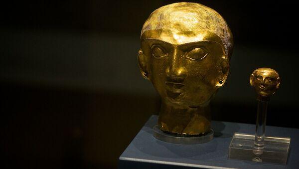 Золотые головы из сокровища Оксуса - Sputnik Таджикистан