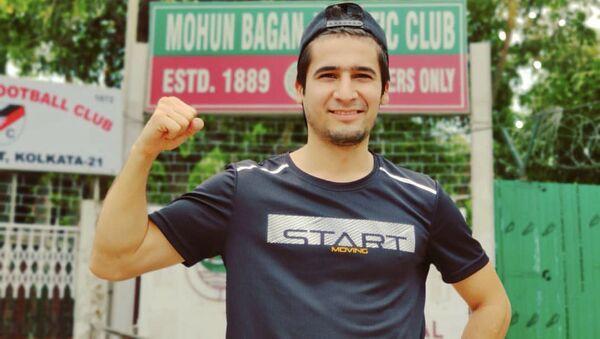 Таджикский футболист Комрон Турсунов - Sputnik Таджикистан
