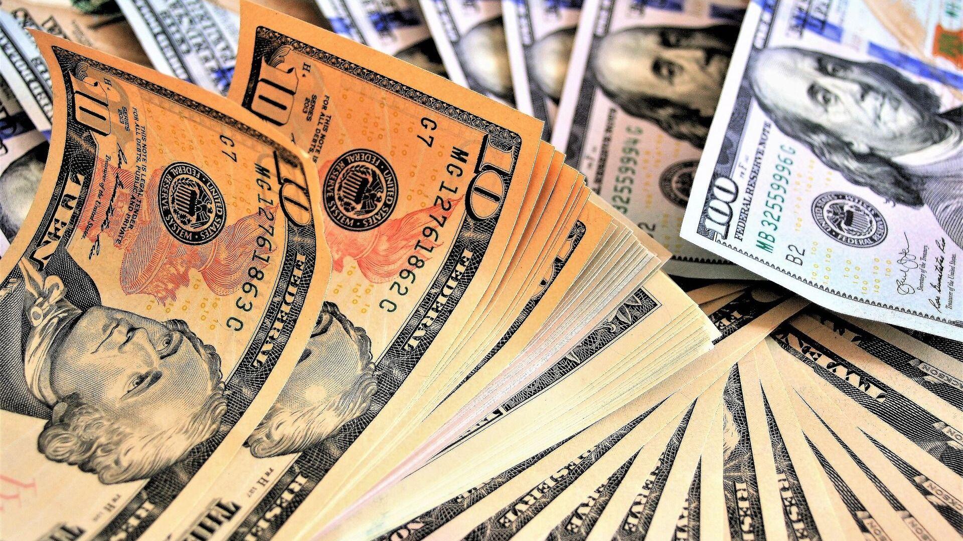 Доллары США - Sputnik Таджикистан, 1920, 04.06.2021