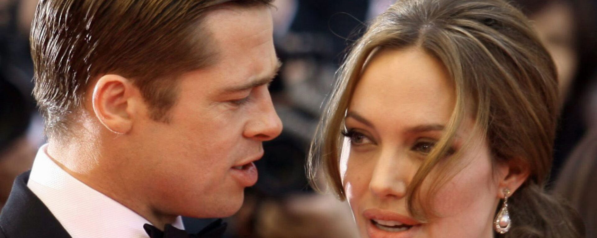 Актеры Анджелина Джоли и Бред Питт на красной дорожке Каннского кинофестиваля - Sputnik Таджикистан, 1920, 27.05.2021