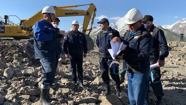 Визит Министра промышленности и новых технологий Республики Таджикистан на предприятия угольной промышленности Айнинского района Согдийской области - Sputnik Таджикистан