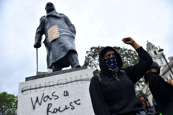 Памятник Черчиллю в Лондоне - Sputnik Таджикистан