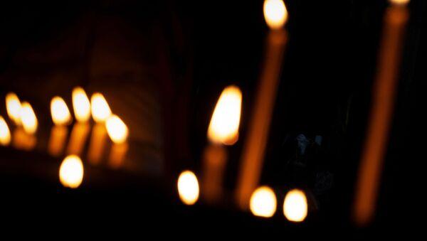 Поминальная свеча - Sputnik Таджикистан