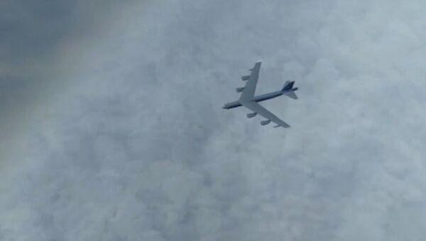 Российские истребители перехватили американские бомбардировщики над Охотским море - Sputnik Тоҷикистон