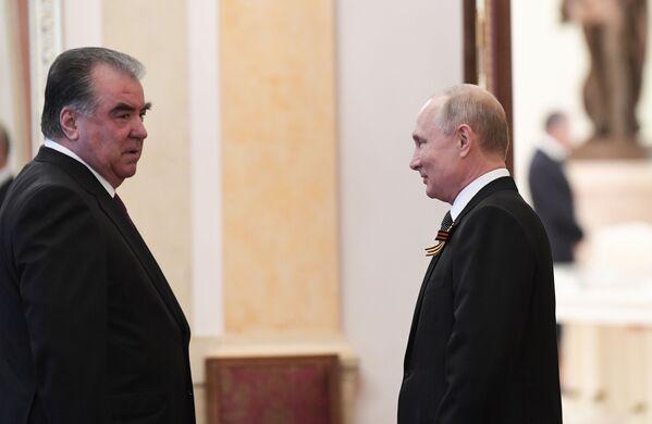 Президент России Владимир Путин и президент Таджикистана Эмомали Рахмон - Sputnik Таджикистан