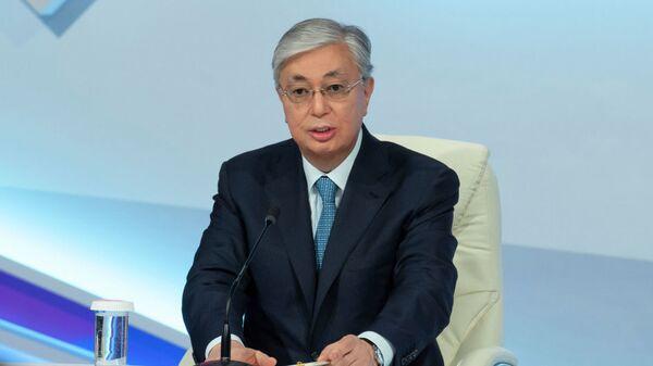 Президент Казахстана Касым-Жомарт Токаев на открытии фронт-офиса волонтеров Birgemiz - Sputnik Таджикистан
