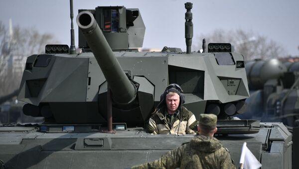 Подготовка военной техники, участвующей в Параде Победы - Sputnik Таджикистан